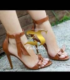 Sandália salto super elegante
