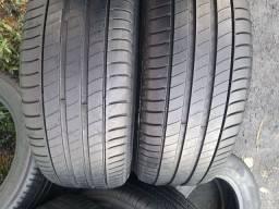 2 pneus 225 55 18 Michelin filé de borracha.