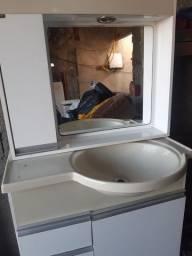 Armário de banheiro