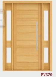 Porta de Madeira com visor lateral