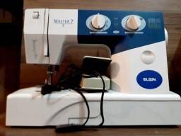 Máquina de Costura Portátil (Usada Poucas Vezes)