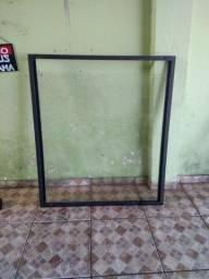 Moldura com vidro temperado