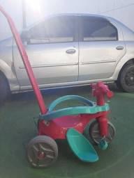 Triciclo rosa menina bandeirante