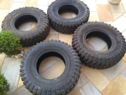 Vendo pneus 255/75R15 VJ900