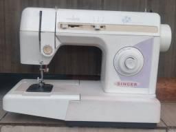 Máquina de costura Singer prêt_á_porter