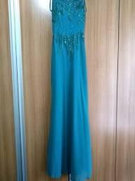 Vestido Longo de Alça com Bordado e Decote nas Costas Azul