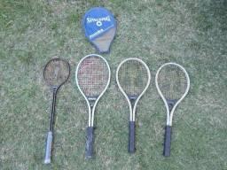 1 raquete de squash e 3 raquetes de tenis
