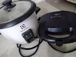 Panela elétrica de arroz e sanduicheira