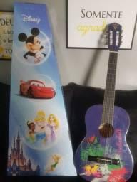 Lindo violão Disney na caixa