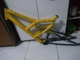 Quadro de Bike/Aro 26/Amortecedor/Mola(ler anúncio)