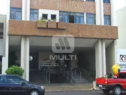 Apartamento para alugar com 3 dormitórios em Centro, Uberlândia cod:L17718