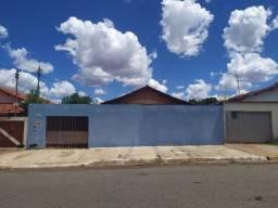 Casa com barracão nos fundos- Balneário Meia Ponte