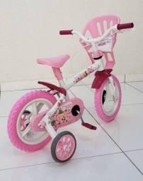 Vendo Bicicleta aro 12 Nova com cadeirinha de boneca. Parcelo no cartão
