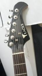 Guitarra eagle e cubo moug