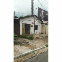 Aluga-se está casa no setor comercial no Bairro: Cidade Nova