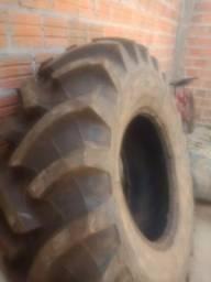 Vendo pneus agrícolas