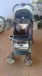 Carrinho de bebê 150,00