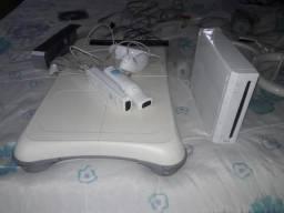 Nintendo Wii Semi-novo, muitos acessorios