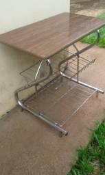 Mesinha / rack antigo para tv ou som - Dourados MS