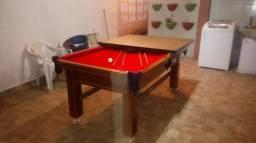 Mesa Tentação Quatro Pés   Mesa Imbuia   Tecido Vermelho   Modelo: KFSD9150