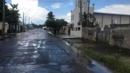 Vende se Casa no 31 de Março murada com 02 quartos a 50 metros Cap. Júlio Bezerra loteria