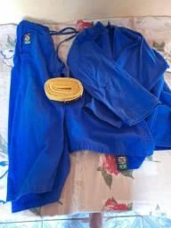 Kimono da shiroi novo tamanho M4 .