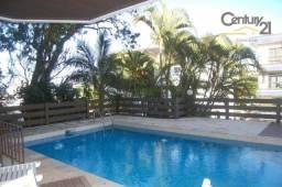 Linda casa a venda a 250 metros da internacionalmente conhecida Praia de Canasvieiras. Com