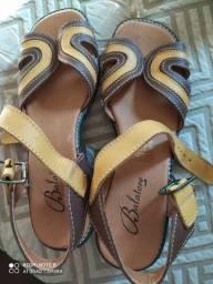 Sandália couro com salto 3 cm