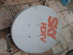 Antena via satélite