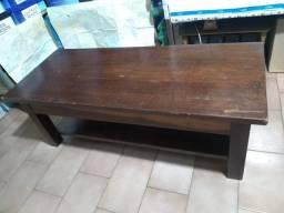 Mesinha de centro de madeira