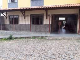 Alugo casa em Bicas