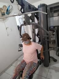 Estação de musculacao