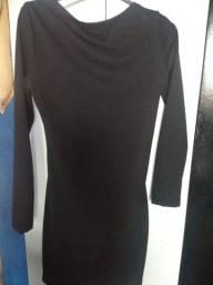 Vendo esse vestido preto nunca usado