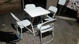 Mesa de bar com 4 cadeiras ferro