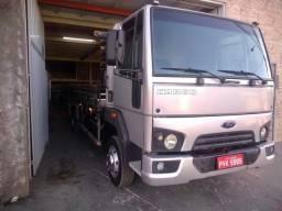 Caminhão FORD CARGO 816 S. ano 2015