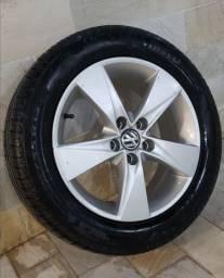 Jogo de rodas 15 VOLKSWAGEN original e pneus Pirelli P7 Cinturato