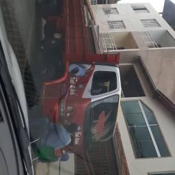 Venda de um caminhão Accelo 715 2003