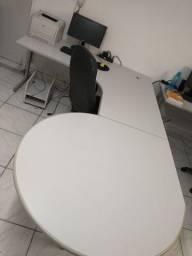 Vendo mesa em L semi nova 1.250,00