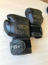 Vendo Luva Boxe / Muay Thai / Kick Boxe e etc / Marca Fight Brasil (FBR) / Tamanho 14 OZ.