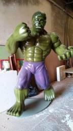 Hulk em fibra de vidro