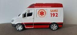 Miniatura Ambulância