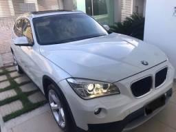 BMW X1 sDriver 20i completa de tudo de fábrica