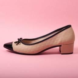 Sapato Scarpin Feminino Salto Baixo Moleca - Beje/Preto - 38