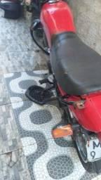 Moto cg 125 ano 1998 de leilão só que emplacar