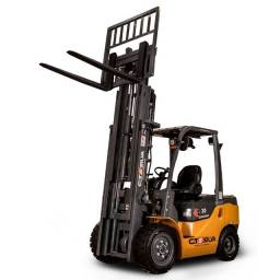 Título do anúncio: Empilhadeira Diesel Goodsense | 3 toneladas | Torre de 4,5 metros