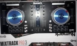 Controladora de Dj Mixtrack Pro 3  nova na GARANTIA