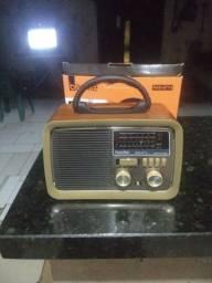 Rádio novo na caixa