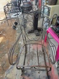 Cadeira ferro antiga leia a  baixo
