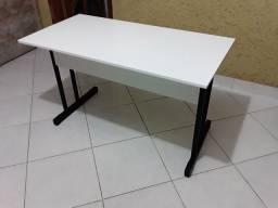 Mesa tipo escrivaninha/escritório  preço só terça