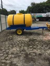 Carrocinha com tanque de fibra